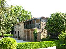 250px-Casa-museo_de_Rosalia[1]