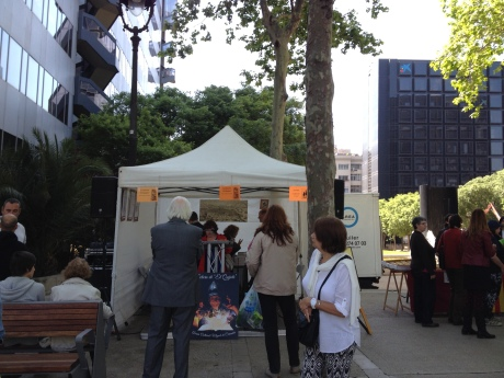 Stall where they were reading El Quijote by chapters, in La Diagonal