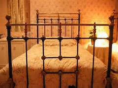 Brass bed 1