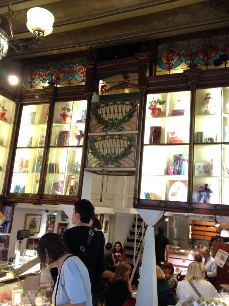 Y algunas fotos del interior de la tienda de las Ramblas, que es muy chula