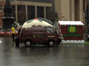 No so many people but blurry phot