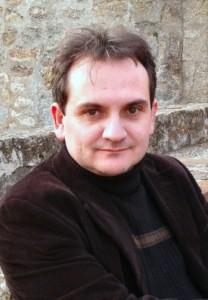Autor Mario Escobar