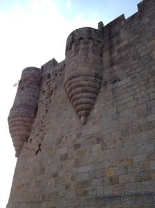 Vista del castillo en Castro Caldelas, Ourense